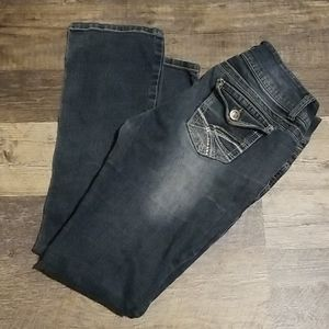 NO BOUNDRIES JEANS SIZE 11